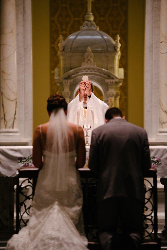 wedding-mass-priest-bride-groom