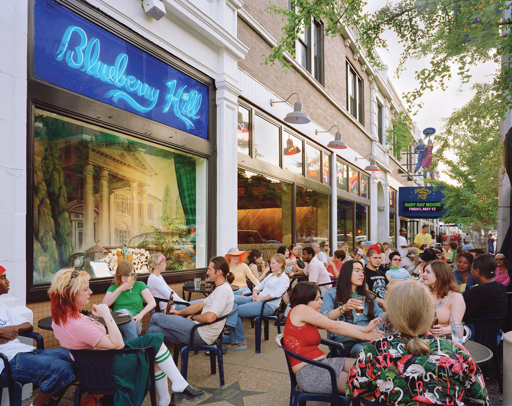 Blueberry-Hill-patio-restaurant-patio-st-louis