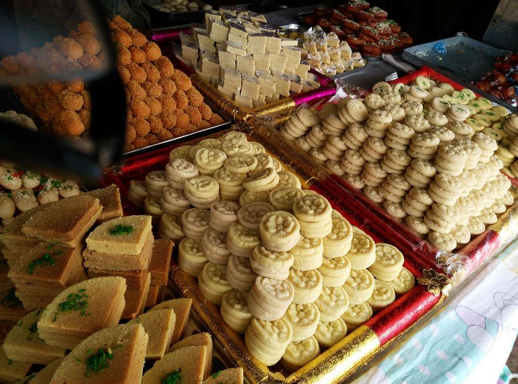 diwali-sweets-indian-sweets-peda