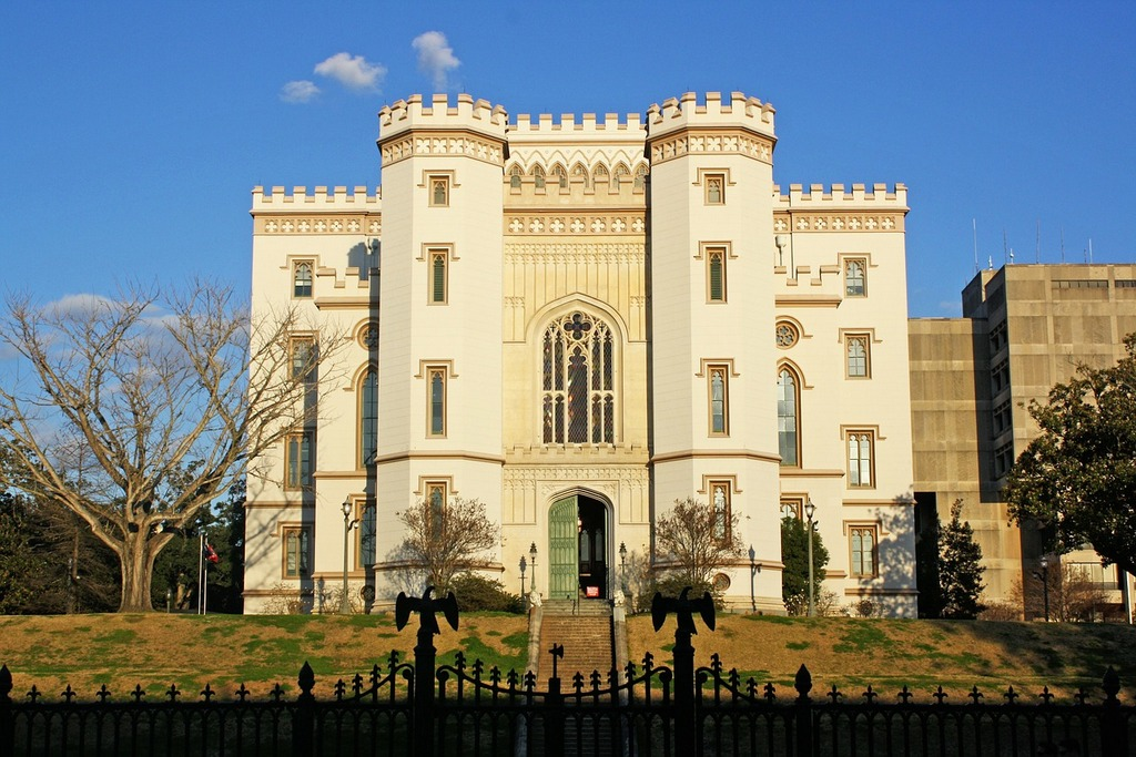 old-state-capitol-castle-baton-rouge-louisiana-building-mansion