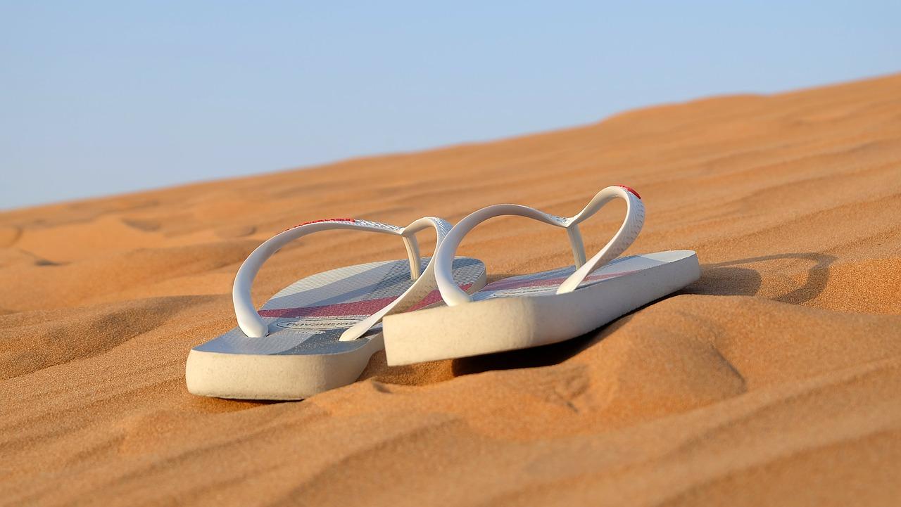 sandals-flip_flops-footwear-beach-shoes-leisure