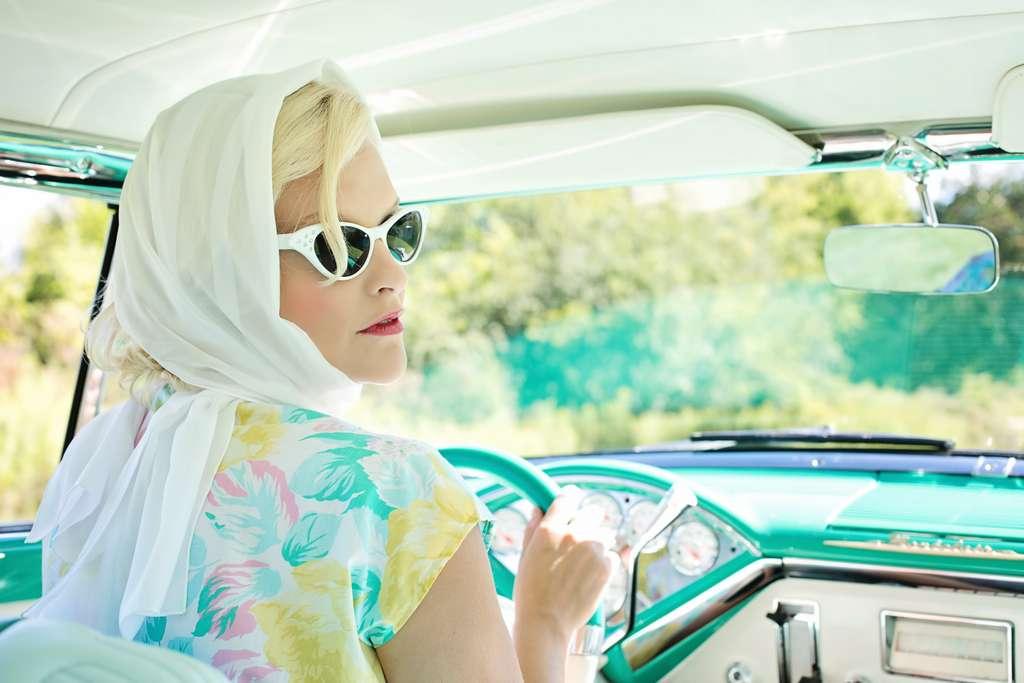 vintage-1950s-pretty-woman