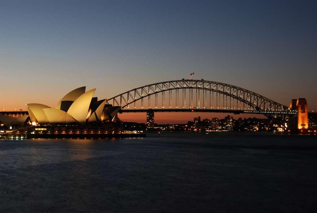 australia-sunset-sydney-opera_PD
