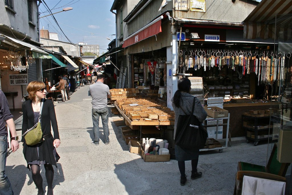 flea-market-paris