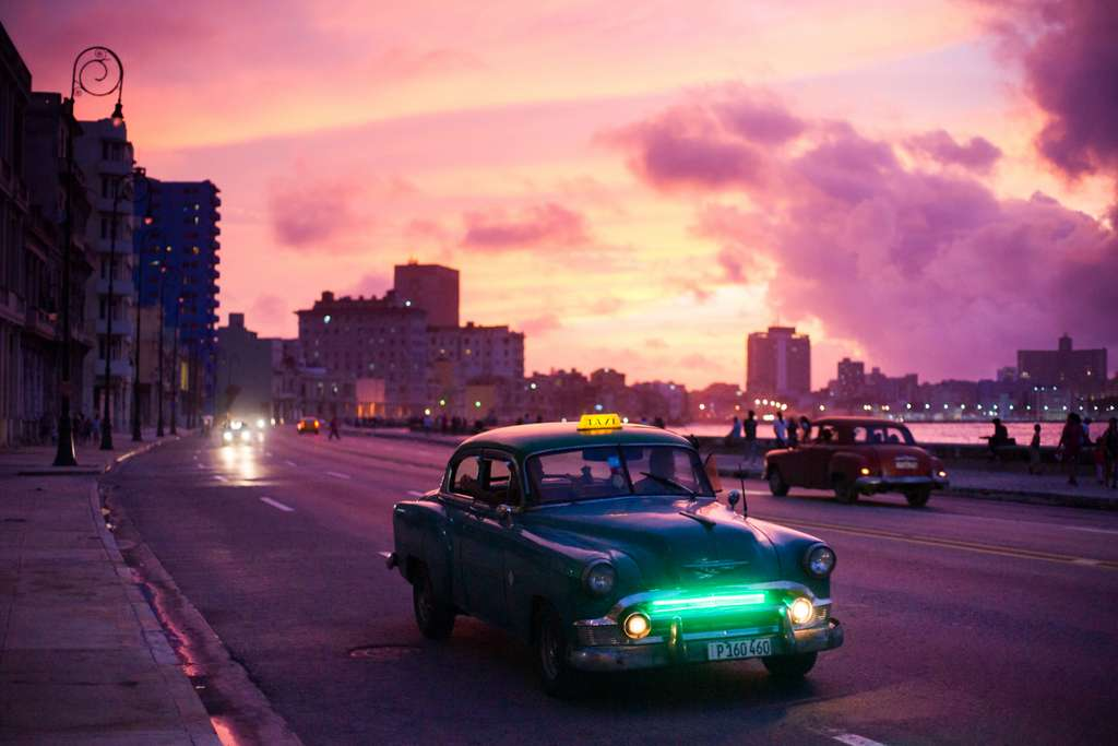 havana-car-night-sunrise-travel_PD