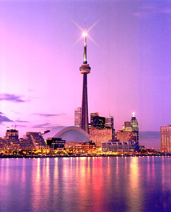 Airbnb report: Toronto (Canada) is one of Top Solo Travel Destinations according to Airbnb