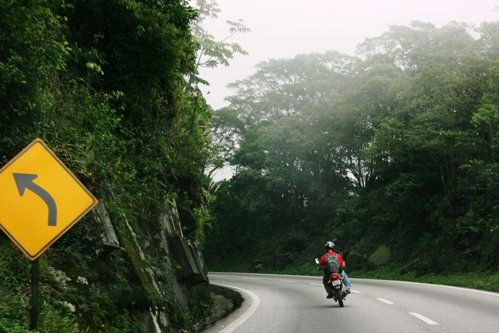 bike-motorcycle-curve-road-fog_PD