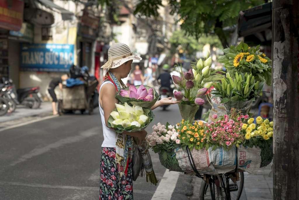 hanoi-the-street-vietnam-the-city