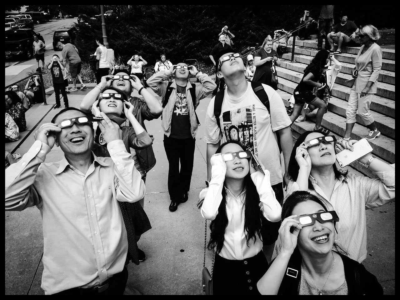 how to safely watch the solar eclipse_PD