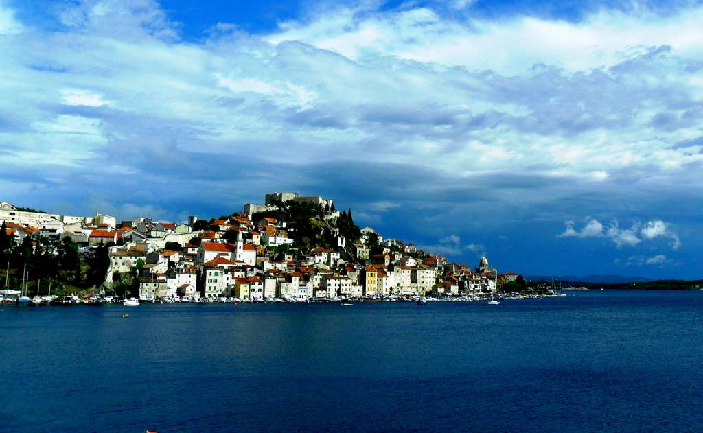 view-croatia-sibenik-city-sea_PD