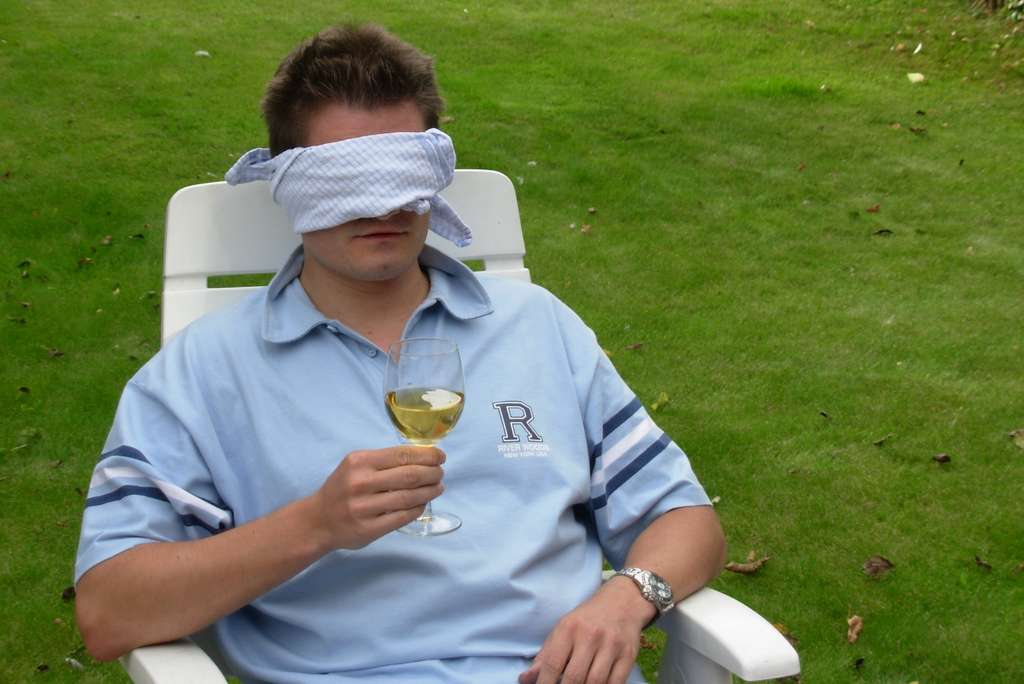 wine-blindfold-tests-people_PD