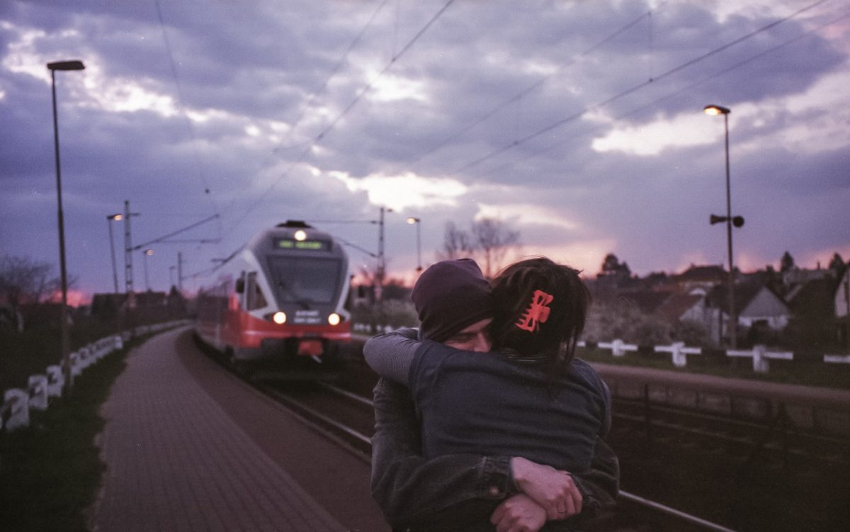 couple travel_rail-train travel_PD
