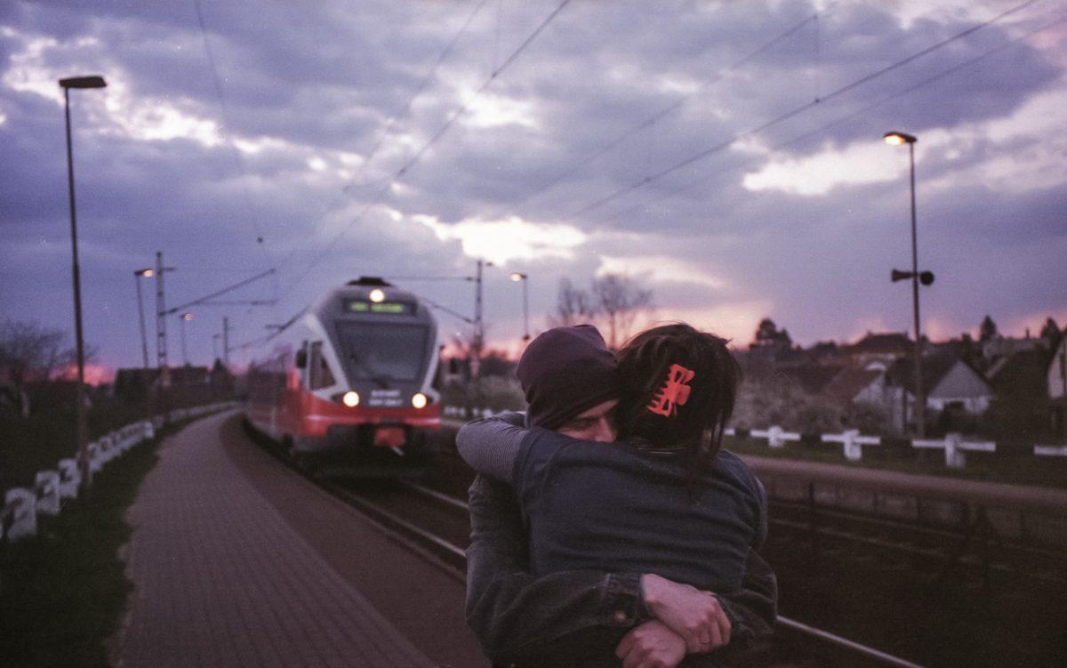 couple travel_rail-train travel_PD