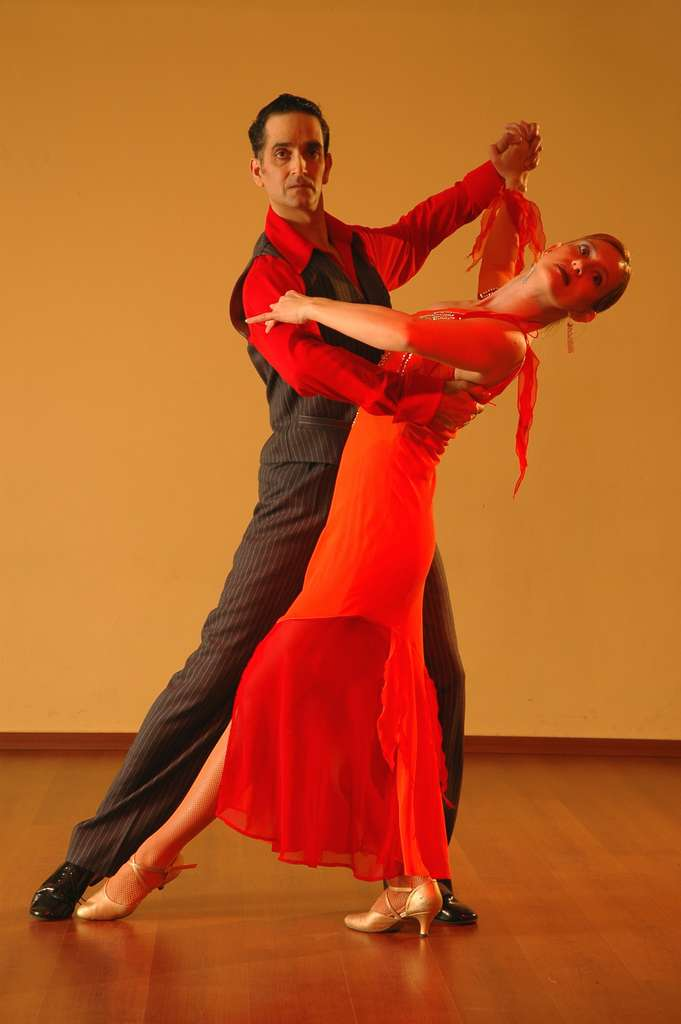 latin-dance-tango-ballroom_PD