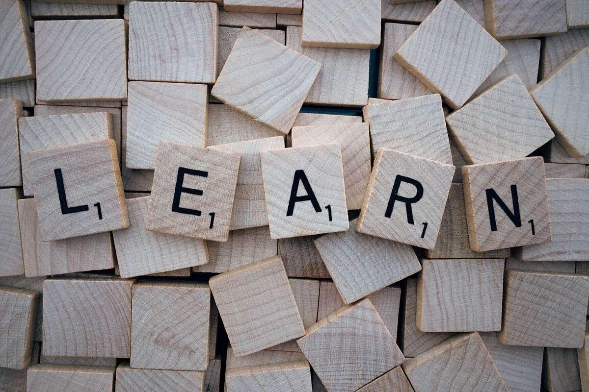 learn-word-scrabble-letters-wooden_PD