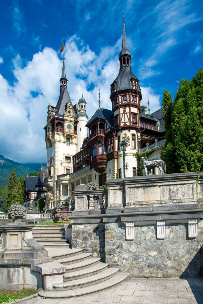 peles-castle-brasov_PD