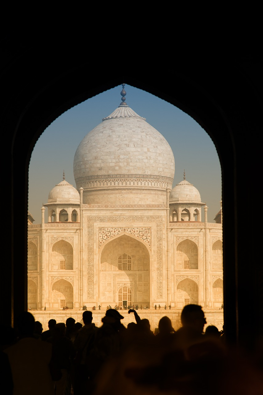 an artsy shot of taj mahal_PD