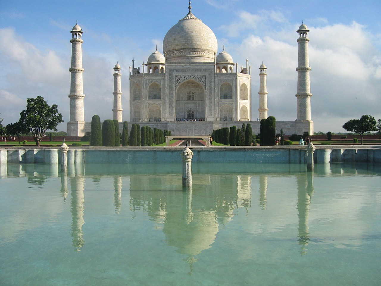 taj-mahal_water fountain_PD