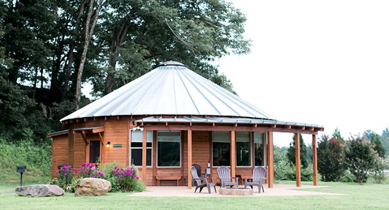 Best Glamping Experiences for Couples. Glamping Cabins at River Farm in Virginia. Glamping Hub.