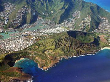 Oahu Travel Guide. Things to do in Oahu, Hawaii. Oahu from air.