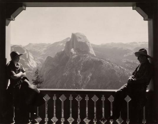 A Vintage Photo Story of Modern Travel_National Geographic Photo Archive