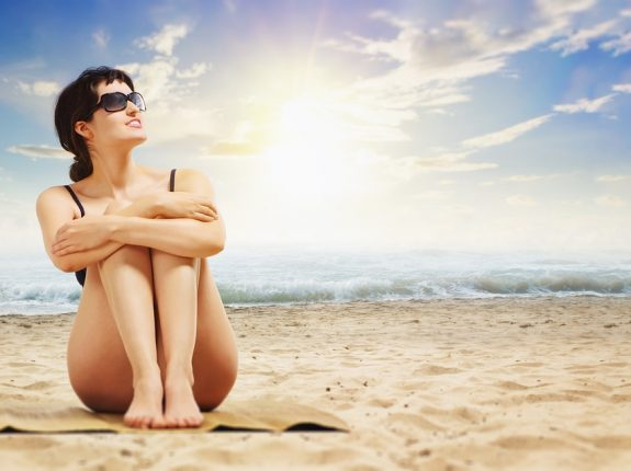 Skin Care Tips While Traveling_maintain the natural glow. How To Maintain Glowing Skin While Traveling