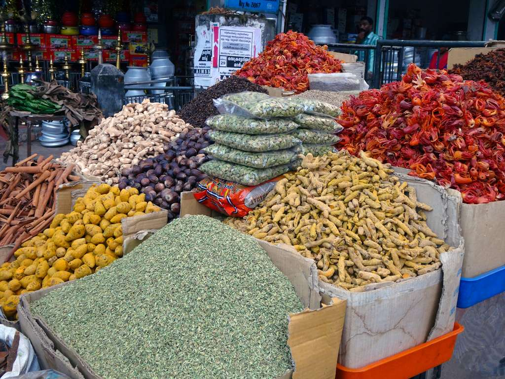 spices-market-cardamom-ginger_PD