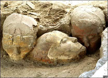 syrian_decorated_skulls_Tell Aswad