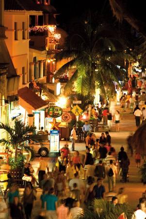 5th avenue nightlife Playa del Carmen Mexico