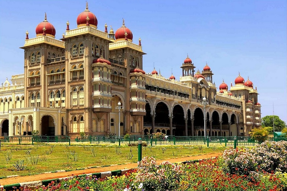 Mysore Palace Karnataka Travel Guide