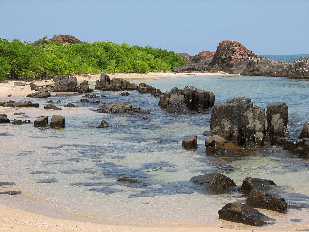 St_Marys_Island_volcanic_rocks_Karnataka