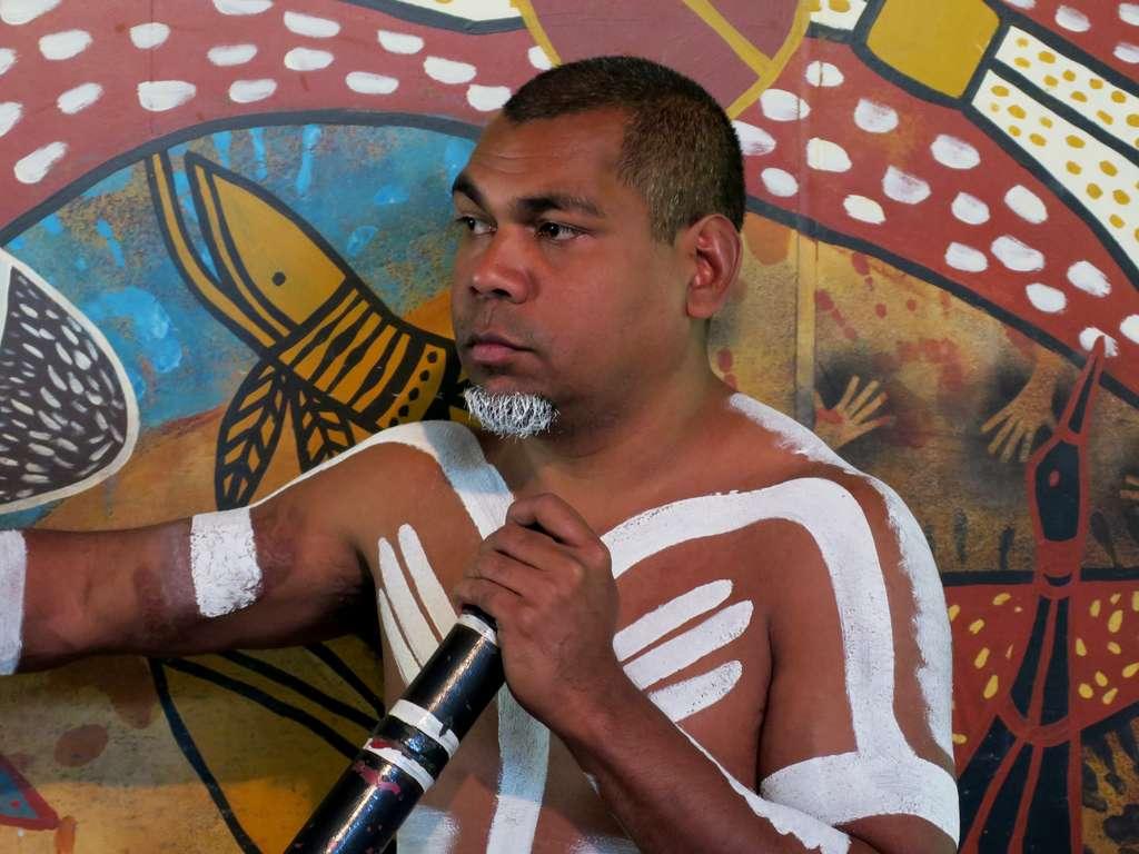 people-aborigine-portrait