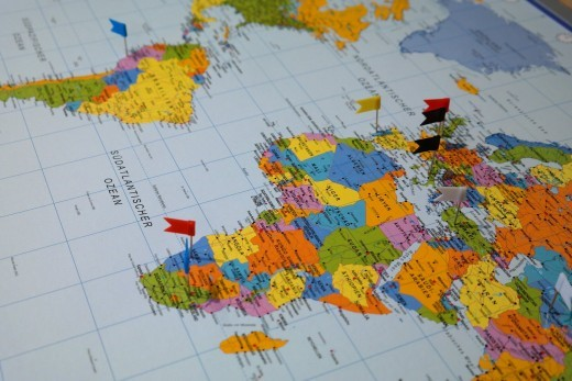 Best Tips for Traveling Carefree. Maps