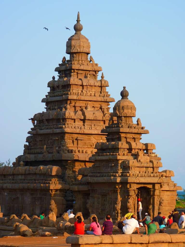temple-sea-shore-temple-granite_PD