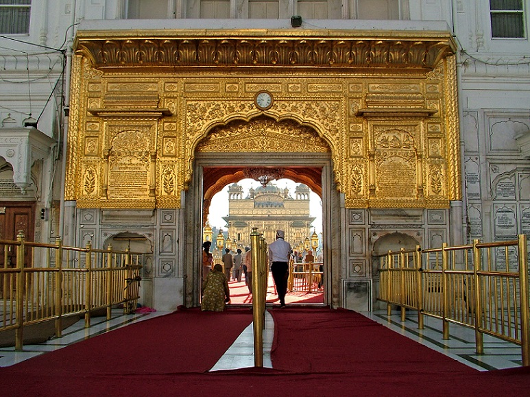 Entrance_Golden_Temple_Amritsar_Punjab