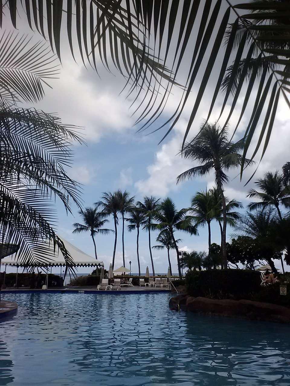 Guam_Resort_swimming-pool