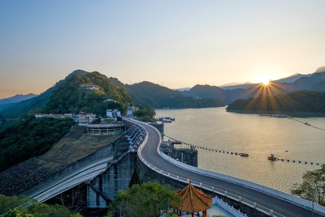 Shihmen Reservoir in Taoyuan Taiwan_PD