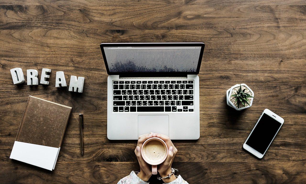 travel blog writer_writing_PD