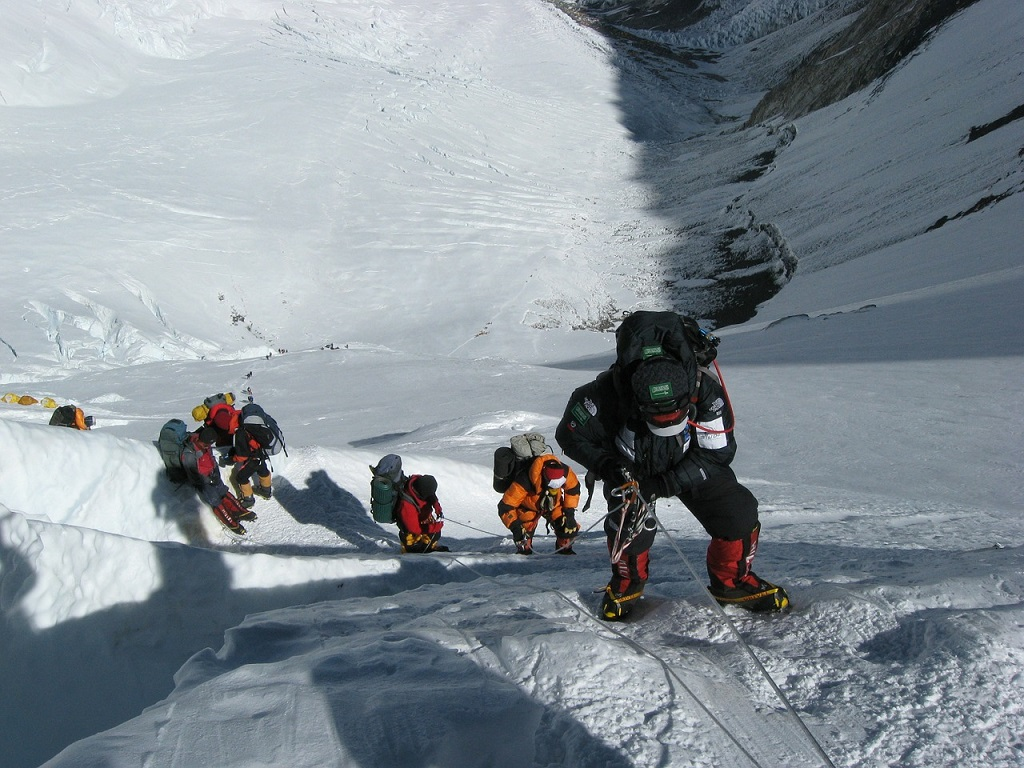 Climbing_Mount Everest_in Nepal_PD
