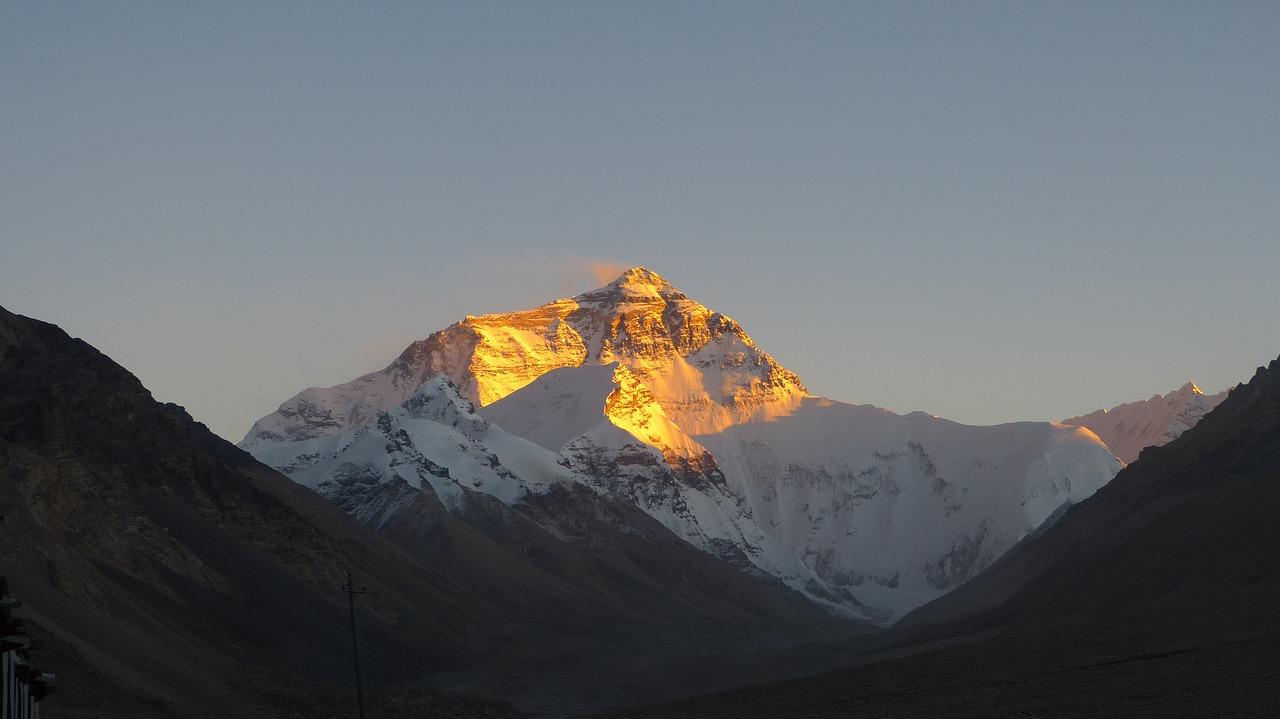 Mt. Everest Sunrise_Nepal_PD