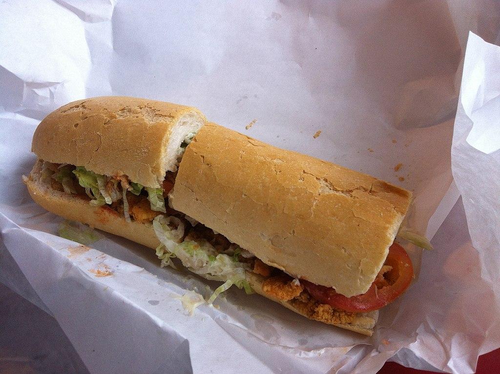 A Shrimp_Po-Boys_New_Orleans_CCBYSA2.0