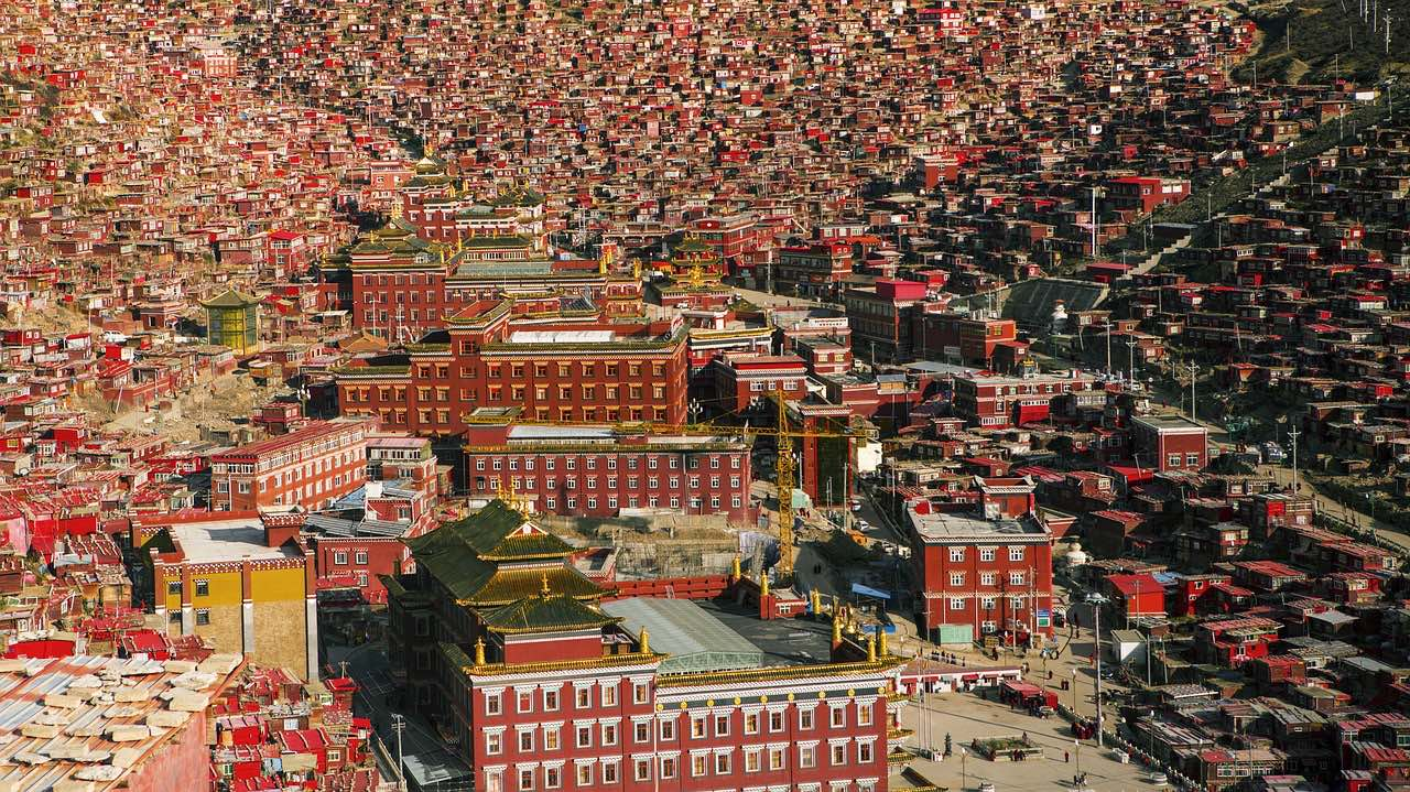 Tibet_Red House_Seda_PD