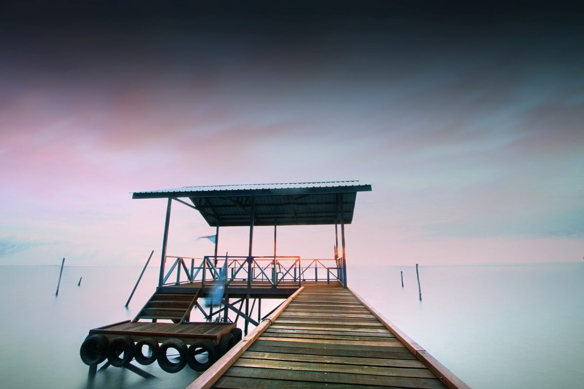 Wanderlust bridge ocean_PD