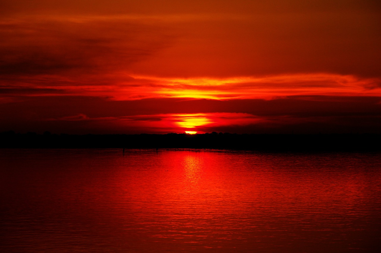 sunset_amazon river_amazonia rainforest_PD