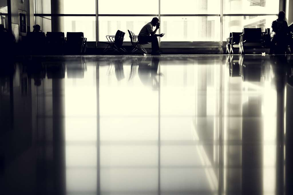 airport-person-waiting-silhouette