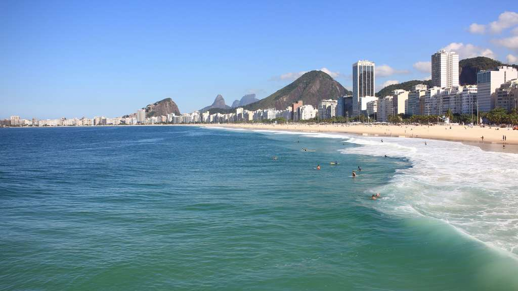 copacabana-leme-beach-wave
