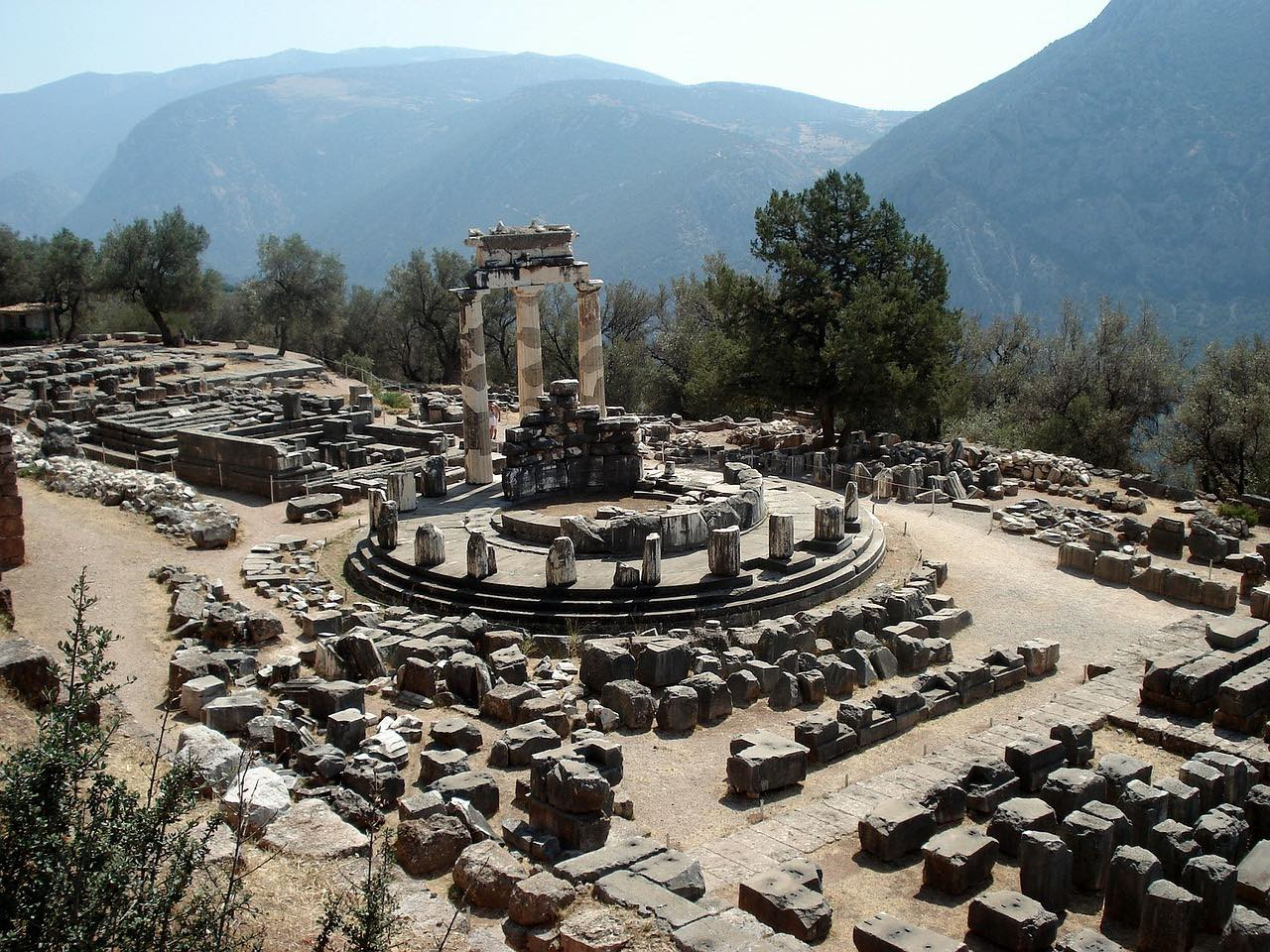 delphi_temple_greece_PD