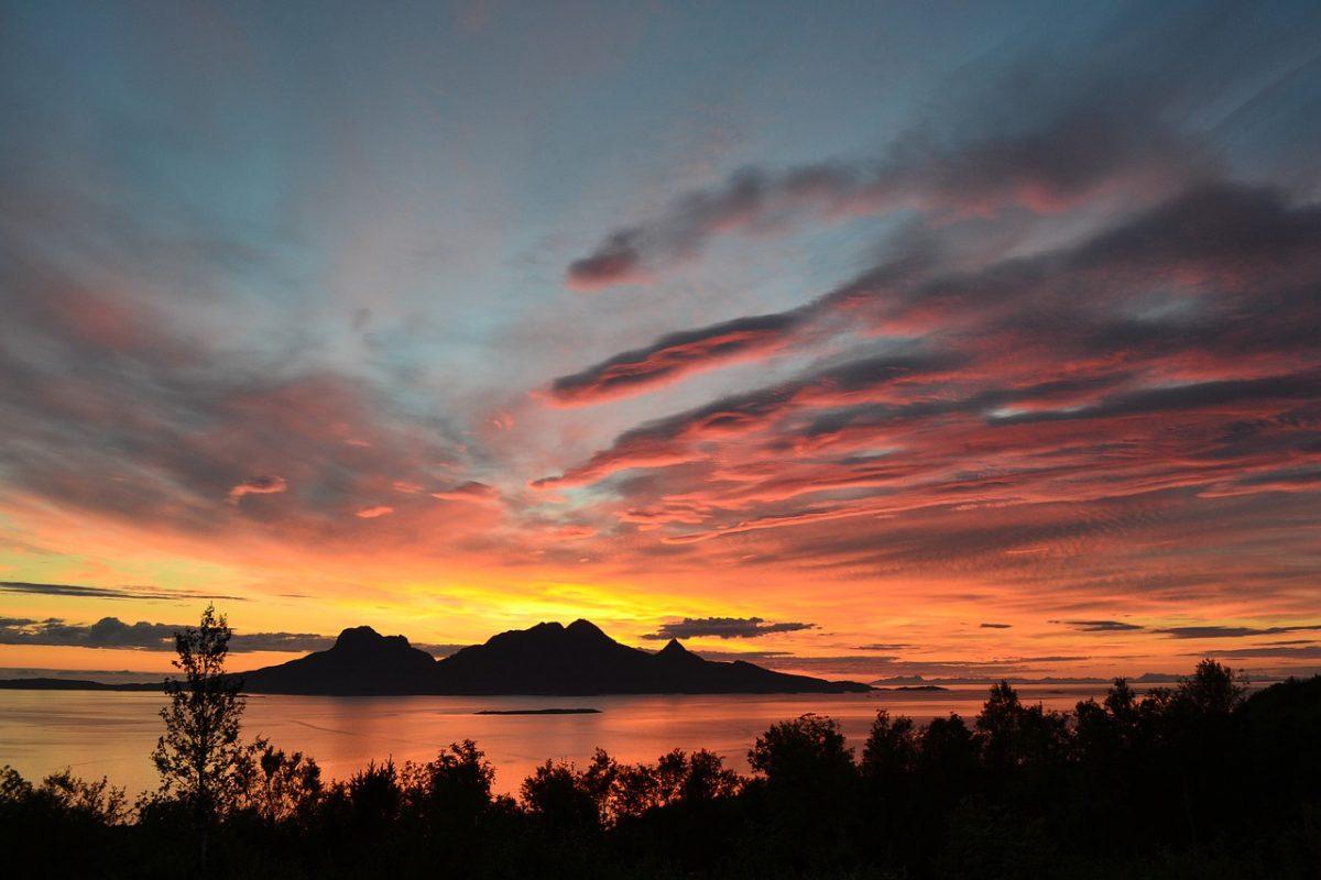 Midnight Sun in Norway_PD
