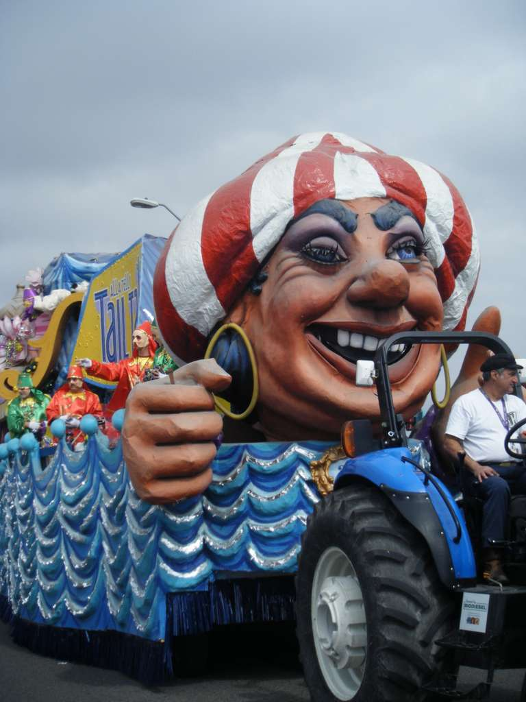 new-orleans-mardi-gras-float