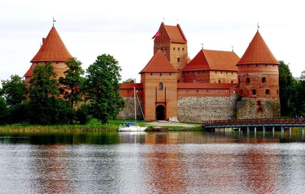 trakai-castle-wasserburg